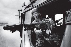 Cơn ác mộng của xạ thủ trên trực thăng UH-1 ở chiến trường Việt Nam