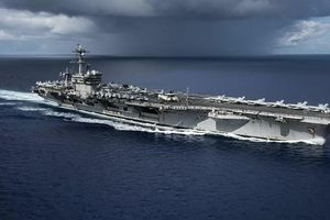 Mỹ điều tàu sân bay đến Biển Đông trong khi Trung Quốc tập trận