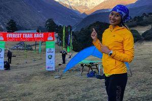 Cô gái chạy qua 7 lục địa làm MC ở Tiền Phong Marathon