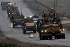 Đoàn xe quân sự của Mỹ dính bom cài đường ở Deir ez-Zor, Syria