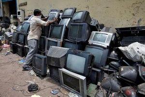 Báo động 'núi' rác thải điện tử trên toàn cầu