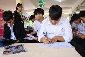 Phiên Giao dịch việc làm di động dành cho học sinh, người lao động tại huyện Tháp Mười