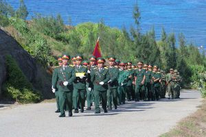 Hàng ngàn người dự Lễ thượng cờ trên đảo Lý Sơn