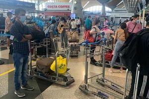 Đưa hơn 300 công dân Việt Nam từ Malaysia về nước an toàn