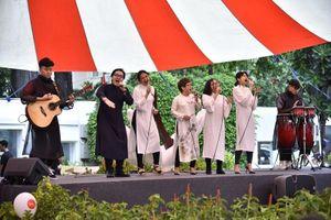 SMPAA, TP.HCM: Học hát, học múa qua ... online