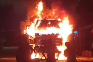 Ôtô tải bốc cháy trên quốc lộ, 1 người tử vong