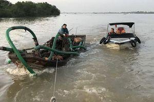 Bắt 11 thuyền khai thác cát trái phép trên sông Đồng Nai