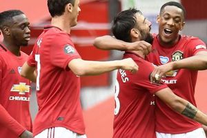 Hủy diệt Bournemouth, Man United đòi nợ sòng phẳng