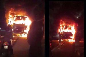 Xe tải bốc cháy trên QL1A sau va chạm với xe máy khiến 1 người chết