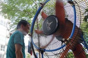 Đợt nắng nóng gay gắt ở Bắc Bộ và Trung Bộ có khả năng kéo dài