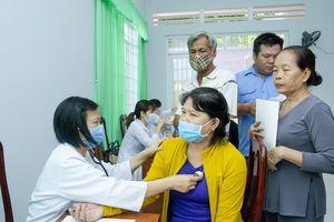 Khám bệnh miễn phí cho 100 người dân xã Long Sơn, TP. Vũng Tàu