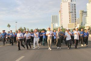 Hơn 500 người tham gia Ngày chạy vì cuộc sống xanh - sạch - đẹp