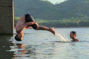 Giải nhiệt ở hồ chứa 300 triệu m3 nước