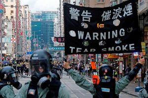 Cảnh sát Hong Kong lấy mẫu ADN của người bị bắt sau luật an ninh