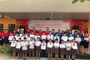Dai-ichi tặng 43 triệu đồng cho học sinh hoàn cảnh khó khăn tại Hà Nội