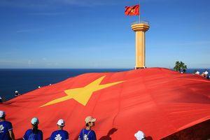 Chuyện về lá cờ 250m2