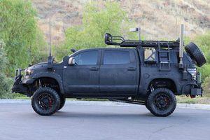 Cận cảnh Toyota Tundra với gói trang bị TRD Off-Road