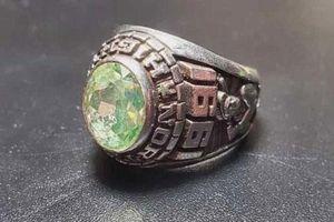 Tìm lại nhẫn kim cương đắt giá sau 30 năm mất tích