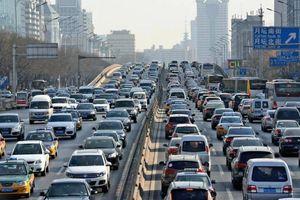 Trung Quốc nới chính sách khuyến khích xe lai chạy cả xăng và điện