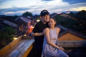 Bà xã Lam Trường chia sẻ loạt khoảnh khắc cực ngọt ngào bên chồng ở Hội An