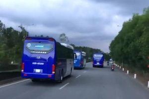 Xác minh 5 xe chở công nhân chặn đường xe cứu hỏa ở Quảng Ngãi