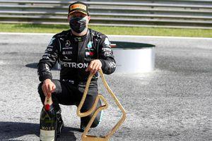Valtteri Bottas vững vàng chiến thắng trong chặng mở màn F1 2020