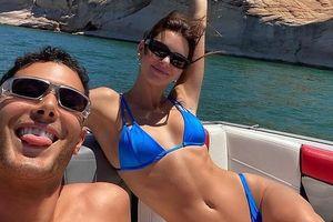 Kendall Jenner diện bikini nóng bỏng khoe dáng săn chắc trên du thuyền