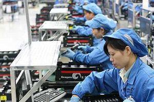 Đề xuất nhiều chính sách ưu tiên với lao động nữ