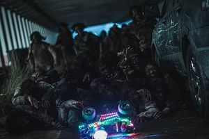 Đoàn phim 'Train To Busan 2' tiết lộ thế giới hậu tận thế sẽ cực khắc nghiệt và hắc ám
