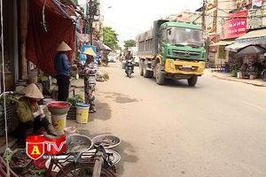 Tiềm ẩn tai nạn giao thông nghiêm trọng từ các chợ họp ven đường