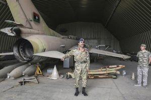 Chính phủ Libya thề đáp trả vụ căn cứ bị máy bay lạ tấn công