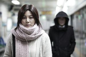 Vì sao 'Blind' của Kim Ha Neul từng chinh phục 2,5 triệu khán giả Hàn?