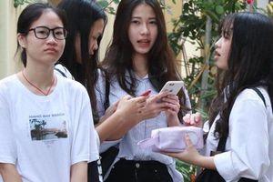 Hà Nội chưa tăng học phí trong năm học mới do ảnh hưởng bởi Covid-19