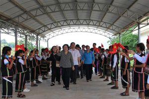 Kon Tum: Trao tặng 55 suất học bổng Vừ A Dính cho học sinh dân tộc thiểu số