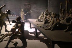 Hành trình trải nghiệm về đêm tại di tích nhà tù Hỏa Lò