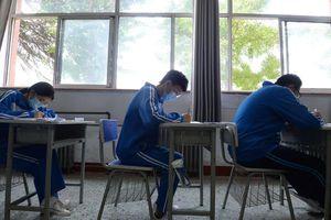 Học sinh Trung Quốc bước vào kỳ thi đại học trong mùa dịch