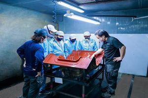 THACO xuất khẩu khung, ghế compostite sang Nhật Bản