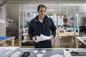 Roger Federer ra mắt mẫu giày chạy bộ mới
