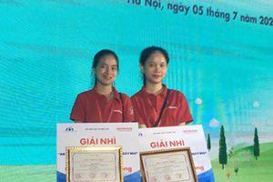 Quảng Bình: Khen thưởng 2 học sinh đạt giải cao về cuộc thi An toàn giao thông