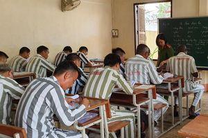 Hơn 200 phạm nhân ngoại quốc được học tiếng Việt tại trại giam Thủ Đức