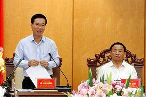 Hoàn thiện dự thảo Báo cáo chính trị có tính hành động và thực tiễn cao