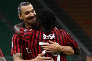 Ronaldo cười tươi trong trận Ibra chọc thủng lưới Juventus