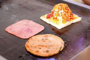 Bánh mì nướng hải sản, phô mai ở TP.HCM