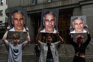 Deutsche Bank bị phạt do sai phạm liên quan 'tỷ phú ấu dâm' Epstein