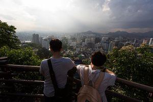 Hàn Quốc thúc giục quan chức bán bớt nhà ở Seoul