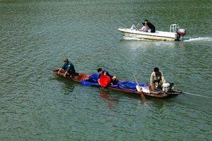 Thả bổ sung cá giống thủy vực hồ thủy điện Sơn La