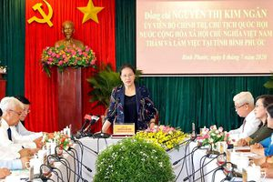 Chủ tịch Quốc hội làm việc với lãnh đạo chủ chốt tỉnh Bình Phước