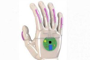 Kỳ lạ loại găng tay thông minh có khả năng chuyển ngôn ngữ ký hiệu thành lời nói