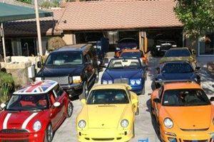 Soi bộ sưu tập siêu xe trăm tỷ của đại gia phố núi Cường đôla