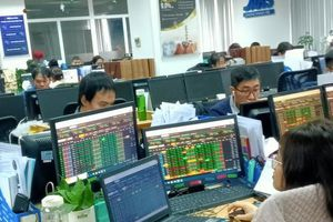 Giá vàng lập đỉnh lịch sử không ảnh hưởng nhiều đến thị trường chứng khoán